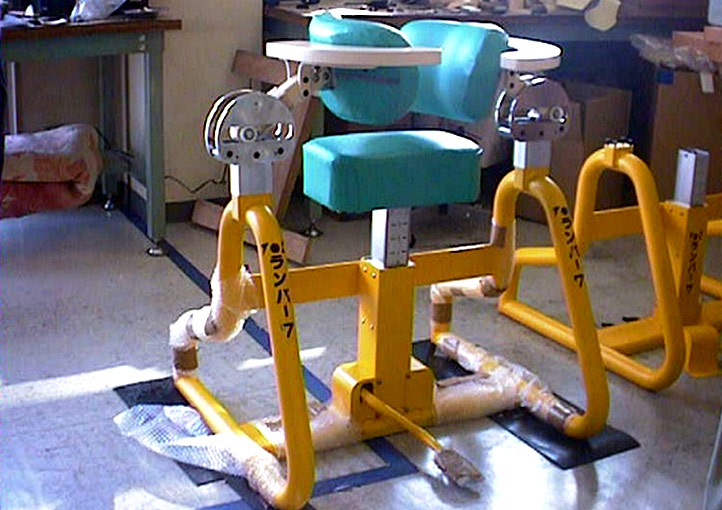 腰痛を治療する椅子の開発案件