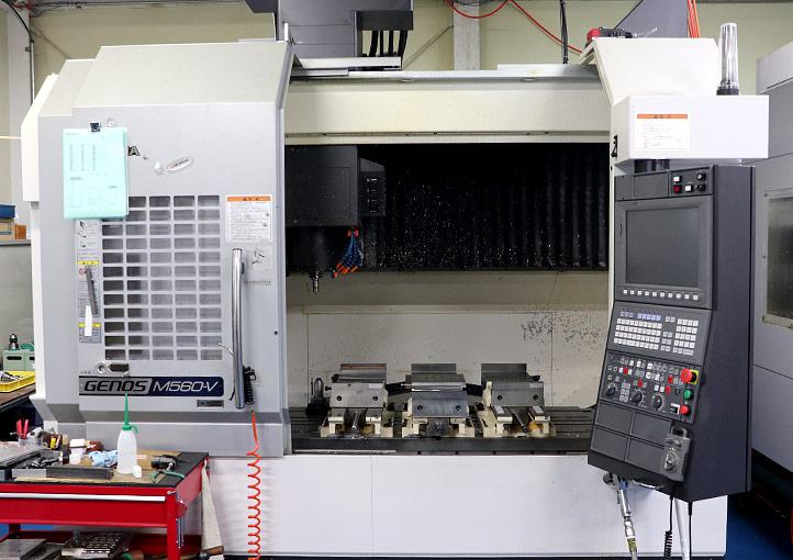 マシニングセンター オークマGENOS M560-V