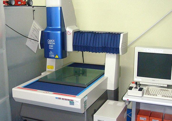 三次元画像測定器